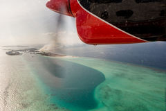 水上飞机在海洋上的引擎视图 库存图片