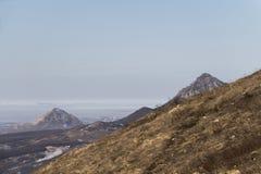 登上Beshtau看法从Mashuk山坡的  库存图片