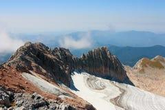 从登上Fisht,高加索,天空,山,冰川, lan的看法 库存图片