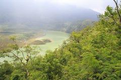 登上galunggung火山口  库存照片
