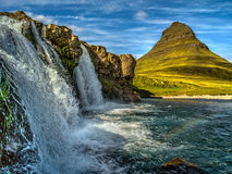 登上Kirkjufell在一个晴天 库存图片