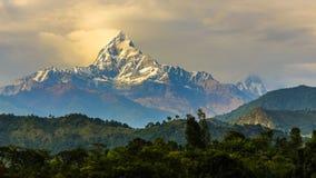 登上Machapuchare 6993 m在尼泊尔 库存图片
