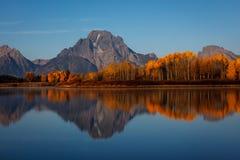 登上Moran在Oxbow弯的秋天日出 免版税库存图片