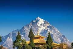登上Pandim,伟大的喜马拉雅山 免版税库存照片