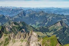 从登上Saentis,瑞士的山景 免版税库存照片