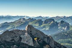 从登上Saentis,瑞士的山景 免版税库存图片