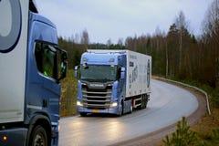 下一代在实验驾驶的斯科讷卡车 库存图片