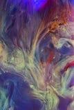 水下五颜六色的液体 抽象五颜六色的构成 库存照片