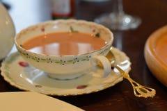 下午英国牛奶茶 库存图片