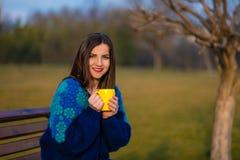 下午茶在公园 免版税库存图片
