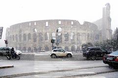 下大量罗马雪 免版税库存照片