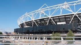 下建筑伦敦奥林匹克体育场 免版税库存图片