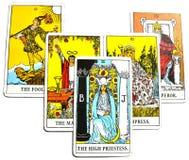 下意识高女教士的占卜用的纸牌,秘密,高自已 免版税图库摄影