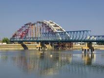 下桥梁建筑 免版税库存图片