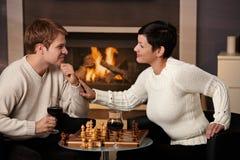 下棋的新夫妇 图库摄影