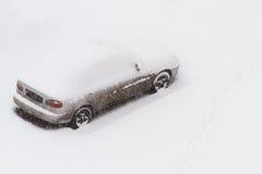 下汽车雪 库存照片