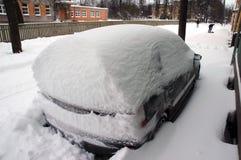 下汽车雪 免版税图库摄影