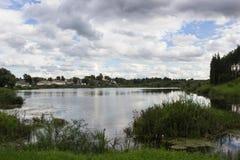 下湖天空 库存图片