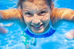 水下的女孩 库存图片