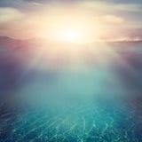 水下的背景 免版税图库摄影