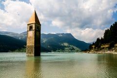水下的钟楼 库存照片