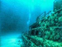 水下的击毁在马耳他 库存图片