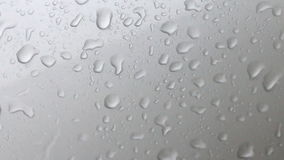 水下落和流程在玻璃 股票视频