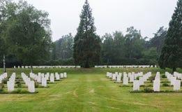下落的加拿大战士坟墓  免版税库存照片