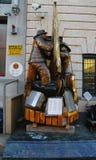 下落的消防队员纪念在前面纽约消防队Squad Company 1在布鲁克林, 库存照片