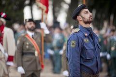 下落的西班牙空军步兵战士尊敬 库存照片