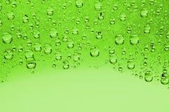 下落绿色水 免版税图库摄影