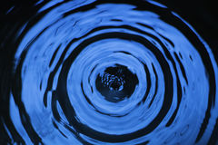 水下落 免版税图库摄影