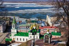 下诺夫哥罗德和伏尔加河早期的春天 免版税图库摄影