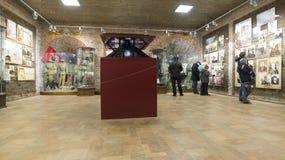 下诺夫哥罗德,俄罗斯-02 11 2015年 在克里姆林宫Nikolskaya塔的陈列  免版税库存图片