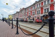 下诺夫哥罗德,俄罗斯- 11月02 2015年 建筑纪念碑-合作大厦建造机器的生产的- 免版税库存照片