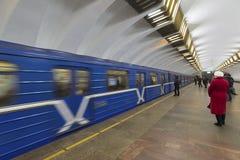 下诺夫哥罗德,俄罗斯- 02 11 2015年 火车在 免版税库存照片