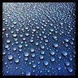 下雨下落 库存照片