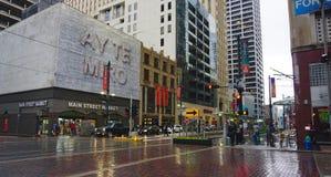 下雨在街市休斯敦 免版税库存图片