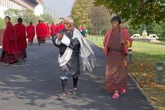 不丹男人和妇女传统衣物的,廷布,不丹 免版税库存图片