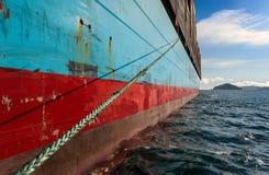 不冻港 俄罗斯- 2017年8月22日:集装箱船船锚的Gerner马士基在路 免版税库存照片