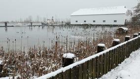 不列颠尼亚遗产造船厂冬天雪,里士满 股票视频