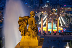 不可思议的喷泉,巴塞罗那夜视图从Montjuic小山的 库存照片