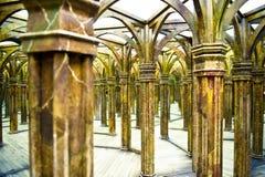 不可思议的镜子迷宫 免版税图库摄影