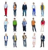 不同的人幸福友谊快乐的人民 免版税库存照片
