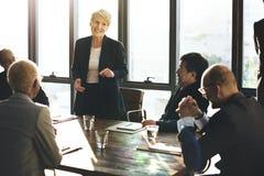 不同的商人见面 免版税库存图片