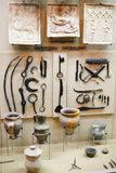 不同的工具在博物馆 免版税库存图片
