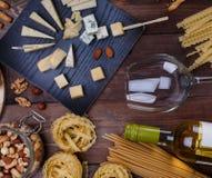 不同的干酪 免版税库存图片