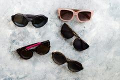 不同的时尚太阳镜 免版税图库摄影