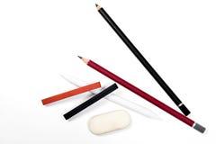不同的种类艺术工具:铅笔,橡皮擦,邮票, s白垩  库存照片