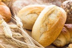 不同的面包店产品耳朵谷物 库存照片
